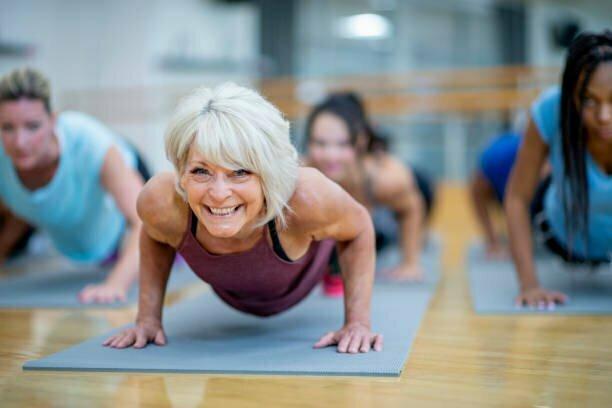 Dieta per dimagrire 10 kg in menopausa: Come perdere 10 chili dopo i 50 anni