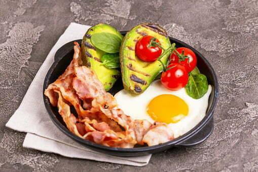 Dieta chetogenica per perdere 30 kg: Testimonianze e menù
